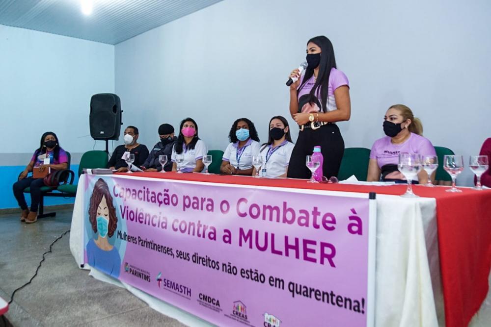 Primeira-dama Mayra Dias fortalece o combate à violência contra a mulher em Parintins
