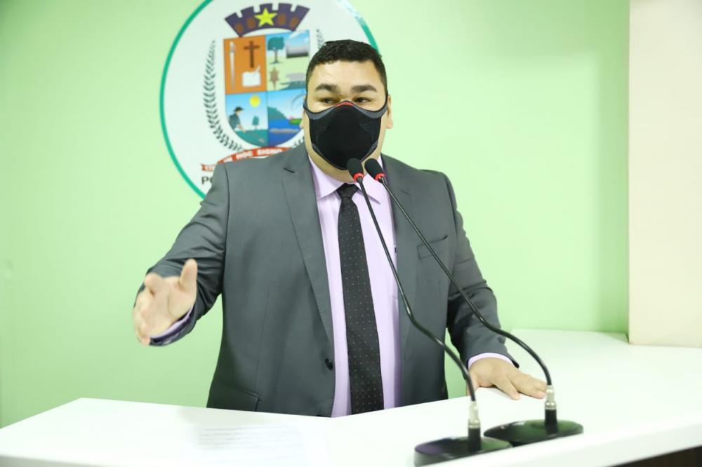 Alex Garcia cobra mais ações educativas e fiscalização maior no trânsito pela EMTT em Parintins
