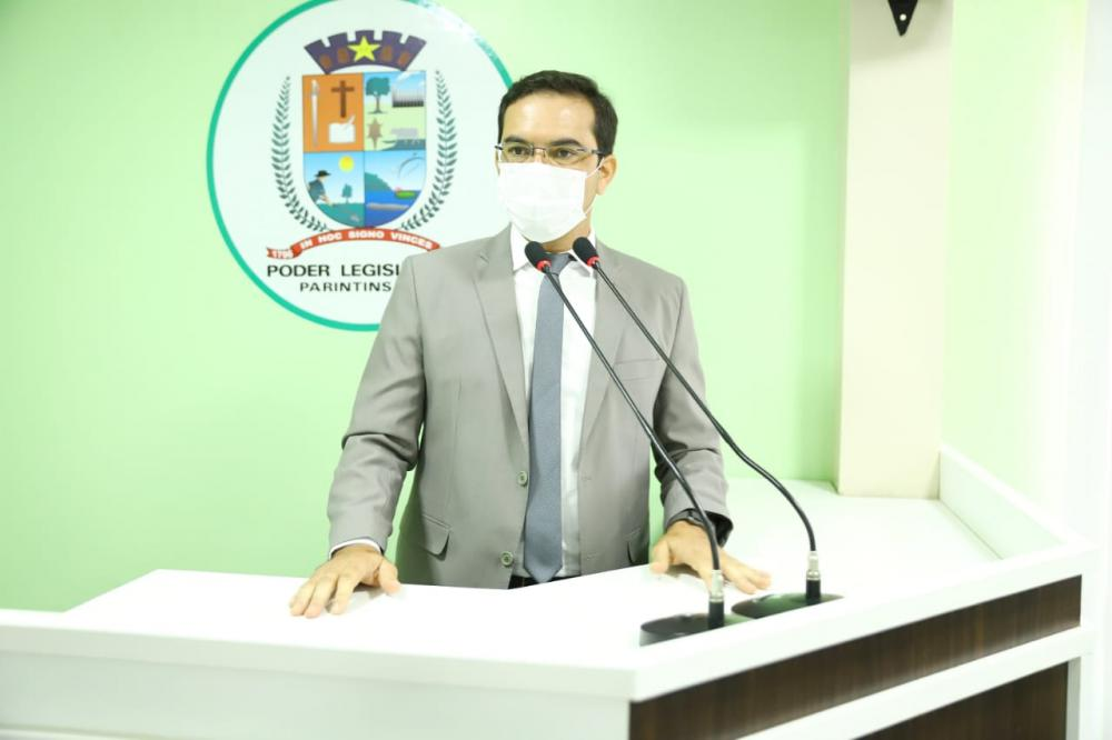 Mateus Assayag cobra do DNIT informações efetivas sobre recuperação do muro de arrimo do Porto de Parintins