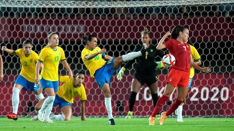Seleção feminina de futebol cai nos pênaltis e está fora das Olimpíadas